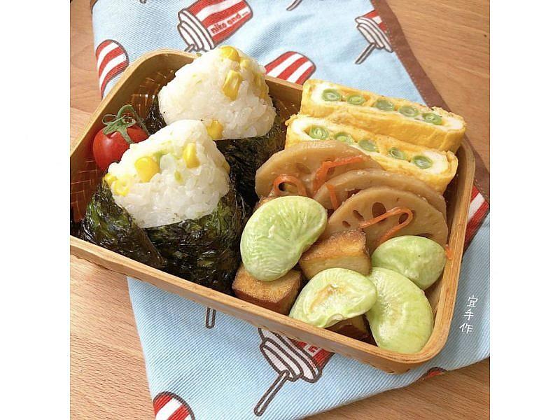 ▲宜芳老師的拿手菜-各式風味飯糰,米飯中加入玉米、豌豆、蝦仁或是鮭魚都有不同滋味呈現。圖:宜芳老師提供。