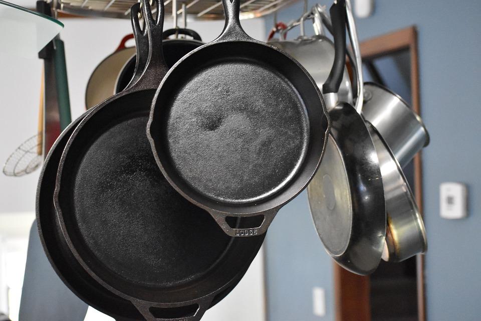 鑄鐵鍋生鏽了怎麼辦?4 個步驟讓它煥然一新!