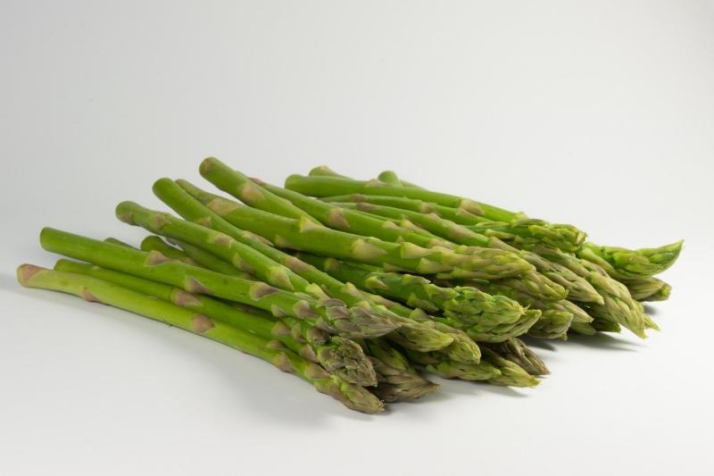 【蘆筍】綠蘆筍、紫與白蘆筍,顏色不同的原因是?料理保鮮靠這招!