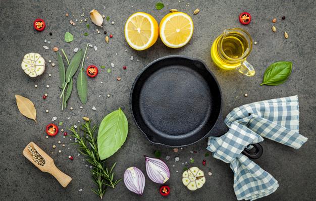 怎麼挑鑄鐵鍋、珐瑯鍋?Le Creuset、Lodge、Neoflam哪個好?化工博士教你挑鍋與養鍋!