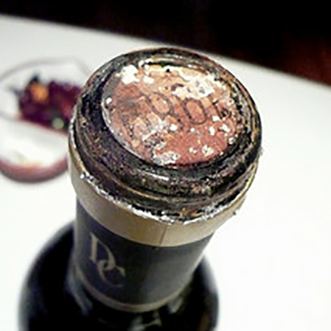 tutorial_justin_wine_cork_in_bottle02